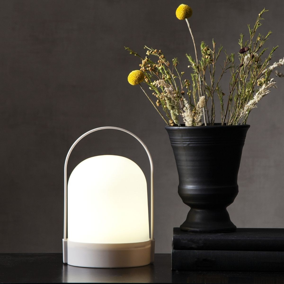 LED Laterne LETTE - warmweisses Licht - Batterie - Timer - H: 22cm- D: 14cm - indoor - weiss